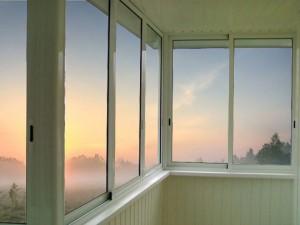 holodnoe-osteklenie-balkonov-v-himkah